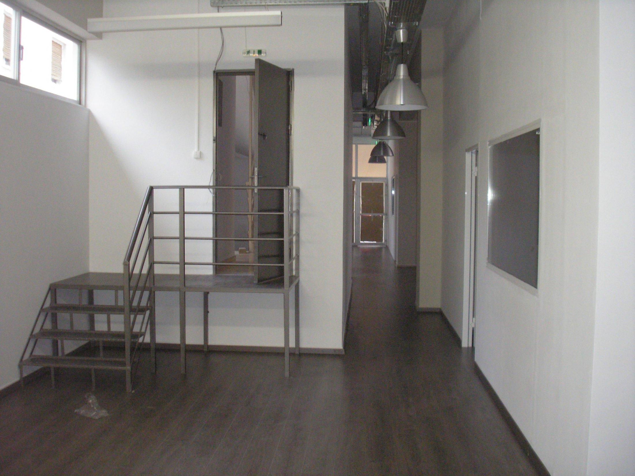 κατασκευή-τοποθέτηση σιδερένιας σκάλας